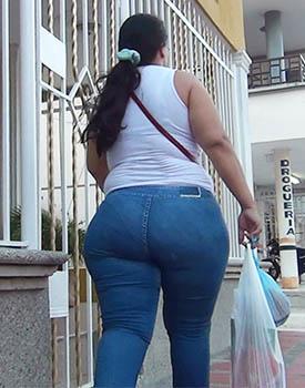 Milf culona in jeans